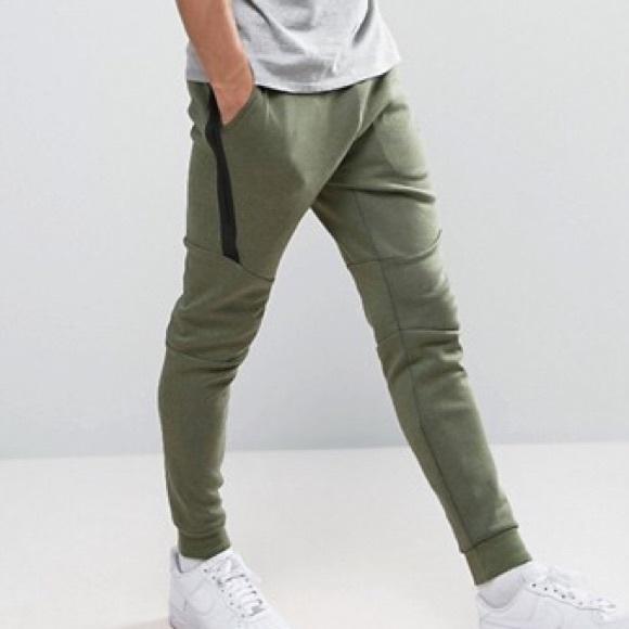 reputable site 5d016 7e8ec Nike Tech Fleece Joggers Olive Green Medium. M 5c5fc3416a0bb7b74cdcf2bd